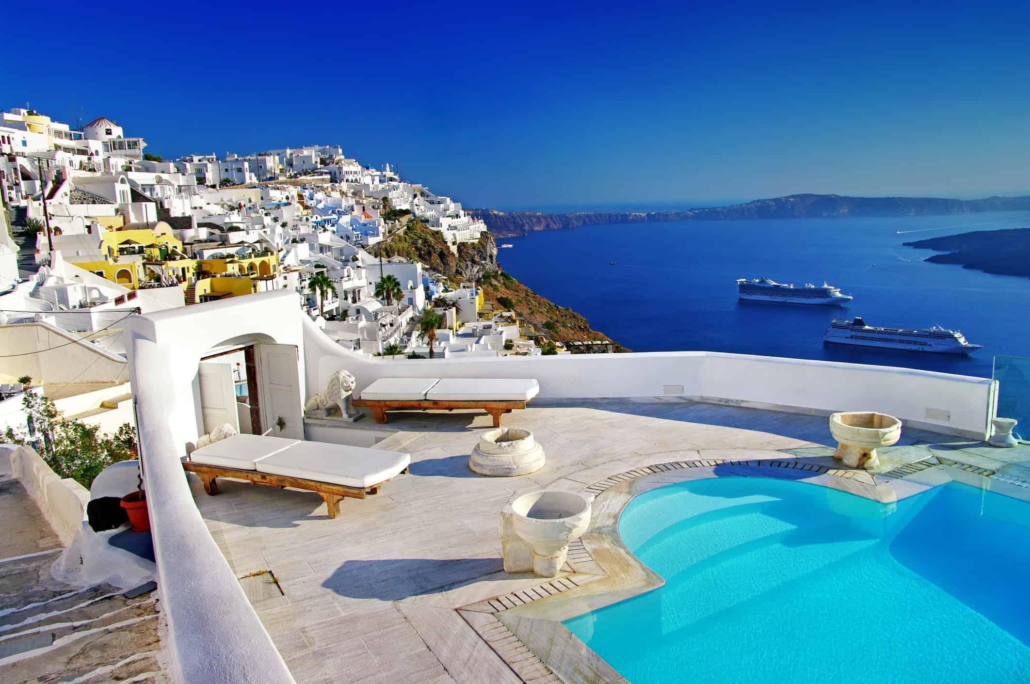 luxury holidays on Santorini island